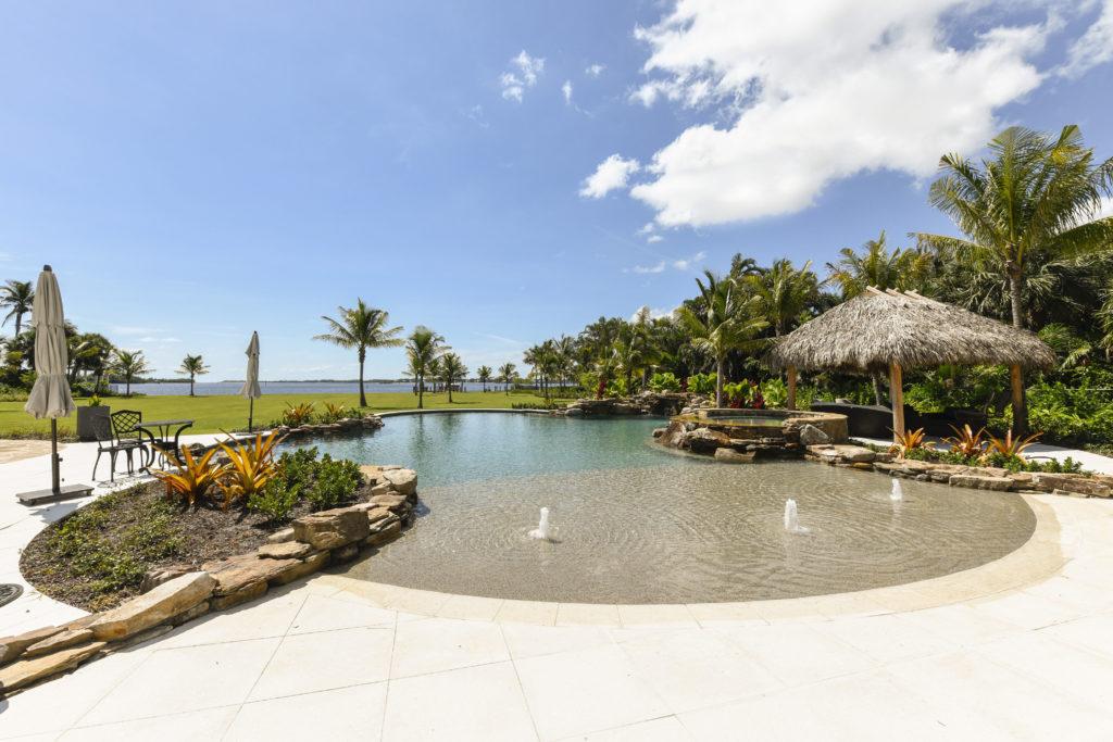 beach entry pool in fl